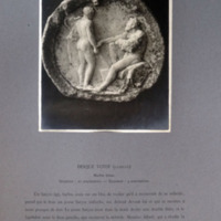 Disque votif à relief de satyres de la collection du Dresnay